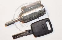 Личинка замка передней левой водительской двери Audi A6 (C5) / Ауди А6 (С5) в комплекте с ключом зажигания