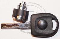 Личинка бардачка (замок бардачка) для Volkswagen / Фольксваген в комплекте с ключом зажигания