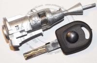 Личинка замка передней левой водительской двери Volkswagen Jetta (Bora) / Фольксваген Джетта (Бора) в комплекте с ключом зажигания