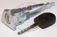 Личинка замка передней левой водительской двери Volkswagen Touareg / Фольксваген Туарег в комплекте с ключом зажигания